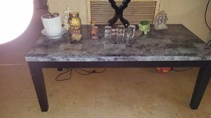 Coffee table for Sale in Shelbyville, TN