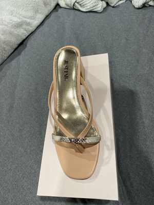 Size 7.5 Strap Sandal for Sale in Norwalk, CA