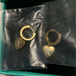 Real Gold Diamond Earrings Never Worn for Sale in Pittsburgh,  PA