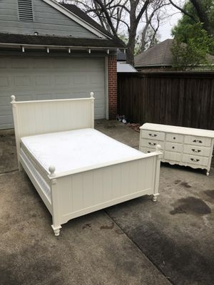 Queen Bed Set! VERY CLEAN! Delivery Available! for Sale in Irving, TX