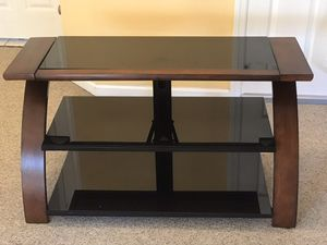 TV Stand. DO NOT ASK FOR MY PHONE NUMBER for Sale in New Egypt, NJ