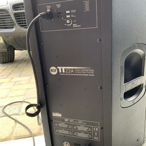 Pair RCF TT22A Professional Touring Speakers With Padded Covers for Sale in Fountain Valley, CA