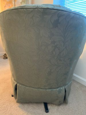 Green Swival Chair for Sale in Haverstraw, NY
