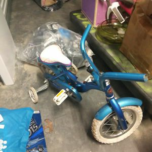 Child Bike Kid 5 6 7 Year Old Schwinn for Sale in University Park, MD
