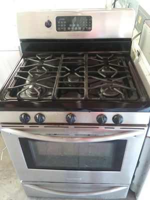GAS 5TH-BURNER STOVE for Sale in Mableton, GA