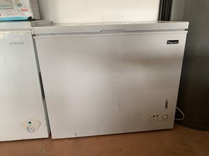 Magic Chef Freezer for Sale in Town 'n' Country, FL