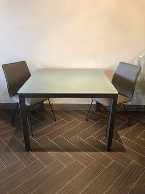 HI END MODERN CONTEMPORARY GLASS TABLE for Sale in Phoenix, AZ