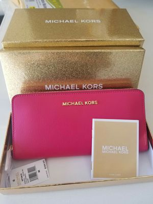 Authentic Michael Kors electric pink wallet (new with tags with Box) for Sale in Lincoln Acres, CA