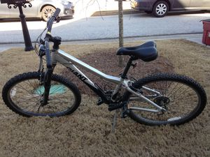 Men's Giant small frame bike for Sale in Newnan, GA
