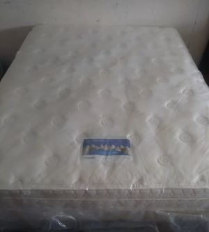 "Queen Serta 12"" pillowtop mattress with Box Set for Sale in Dallas, TX"