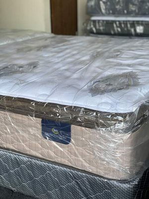 PILLOW TOP HYBRID MATTRESS CLEARANCE, Great Deals! Queen size mattress NO CREDIT CHECK $0 DOWN OPTIONS AVAILABLE for Sale in San Diego, CA