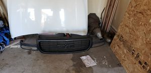 Chevy 1500 1999 parts, front bumper grill and hood and driver side fender for Sale in Puyallup, WA