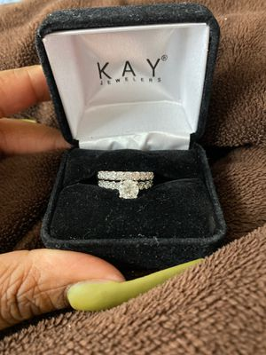 Engagement ring w/ wedding band size 7 for Sale in Rancho Cucamonga, CA