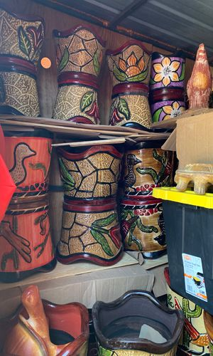 Pottery and flower pots for Sale in Somerset, TX