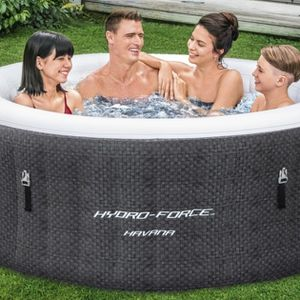 4 person Hot tub for Sale in Los Angeles, CA