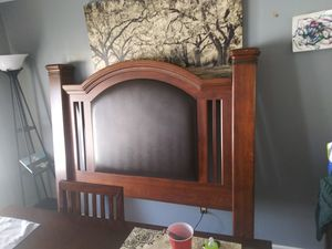 Queen size Bed frame for Sale in Salinas, CA