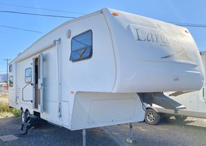 2005 Keystone Laredo 29ft 5th wheel travel trailer for Sale in Mesa, AZ
