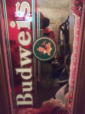 Vintage budweiser picture mirror for Sale in Hamilton, OH