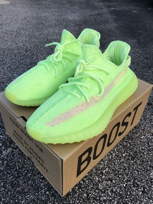 Yeezy 350 V2 Glow size 10.5 for Sale in Columbus, OH
