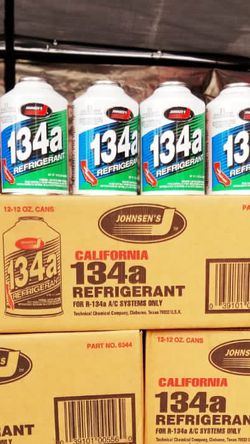 Freon r134a Refrigerant for Sale in Montclair,  CA