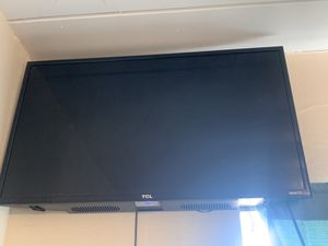 32 inch TCL smart tv for Sale in Oceanside, CA