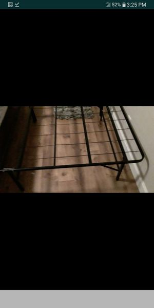 King bed frame metal for Sale in Boiling Springs, SC