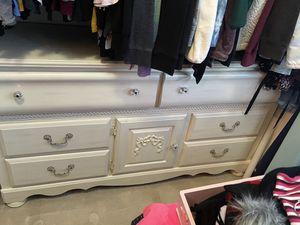 Girl bedroom set for Sale in La Presa, CA