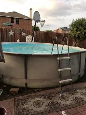 Swimming pool for sale used only for 3 months. / alberca en venta usada solo por 3 meses for Sale in Grand Prairie, TX