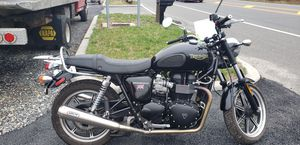 Motorcycle 2010 Triumph Bonneville for Sale in Corbin City, NJ