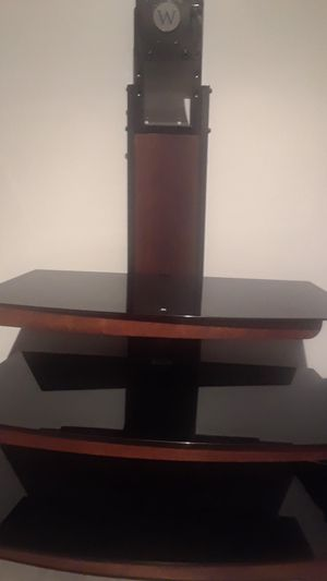 Tv stand with swivel bracket head for Sale in St. Louis, MO