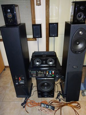 Onkyo 7.1 AVR with speakers for Sale in Shelby Charter Township, MI