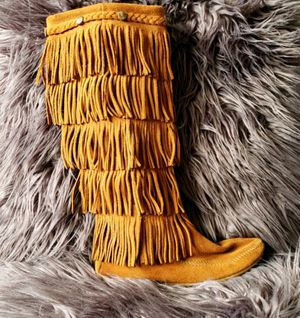 Minnetonka fringe boots for Sale in Pittsburgh, PA