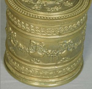 ANTIQUE FRENCH LOUIS XVI EMOSSED BRASS CYLINDER DRESSER JEWLE BOX !! for Sale in Kansas City, MO