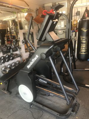 NordicTrack Elliptical for Sale in Tampa, FL