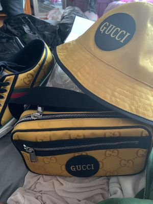 Gucci set worn once shoes sz 9 cross body and bucket hat for Sale in Richmond, CA
