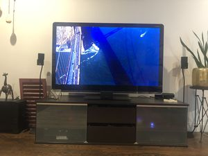 60 inch full led tv with tv console for Sale in Framingham, MA