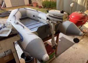 West Marine Dingy 6.6ft with 2hp Johnson for Sale in Marina del Rey, CA
