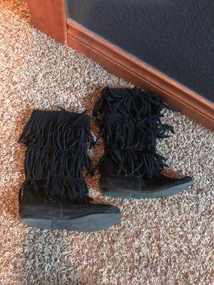 Black Minnetonka fringe Boots size 6.5 for Sale in Denver, CO
