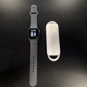 Apple Watch Series 6 40mm Gray GPS for Sale in Kent, WA