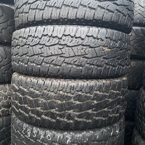 LT285/70R17 Marca Toyo Open Country All Terrain for Sale in Bellflower, CA