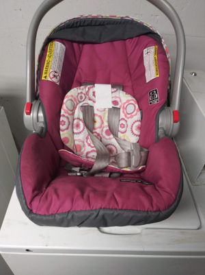 Car seat for Sale in Buffalo, NY