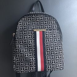 Small Tommy Hilfiger Backapck for Sale in Whittier,  CA