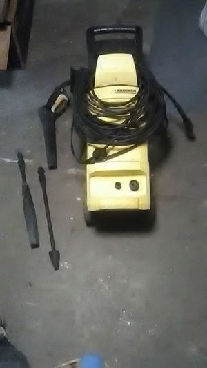 KARCHER 1,800 psi electric pressure washer for Sale in Seattle, WA
