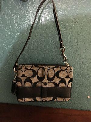 Coach wristlet purse for Sale in Atlanta, GA