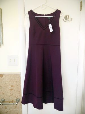 Ann Taylor V-Neck Dress Bi-Stretch Size 4 NWT for Sale in Miami, FL
