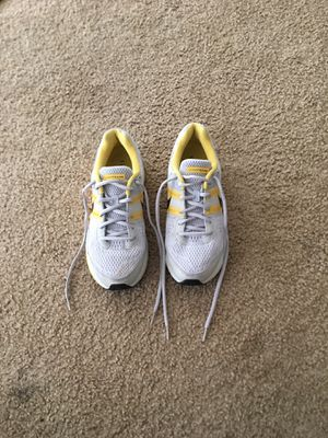 Women's Live Strong Nike Running Shoes Size 9 for Sale in Alta Loma, CA