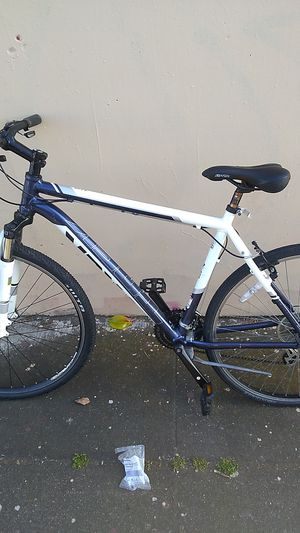 Nice Trek mountain bike for Sale in Oakland, CA