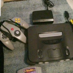 Nintendo 64 With Super Smash Bros.1 Controller and Cords for Sale in Yorkville, IL