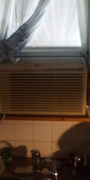 5000 Lg. Window Unit for Sale in Sebring, FL