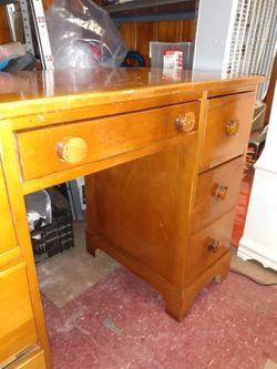 Antique Maple Desk for Sale in Glen Burnie,  MD